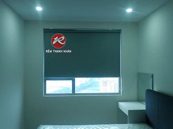 Rèm cuốn trơn chống nắng phòng ngủ