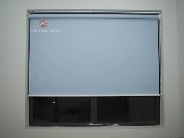Reèm cuốn trơn 1 màu cửa sổ