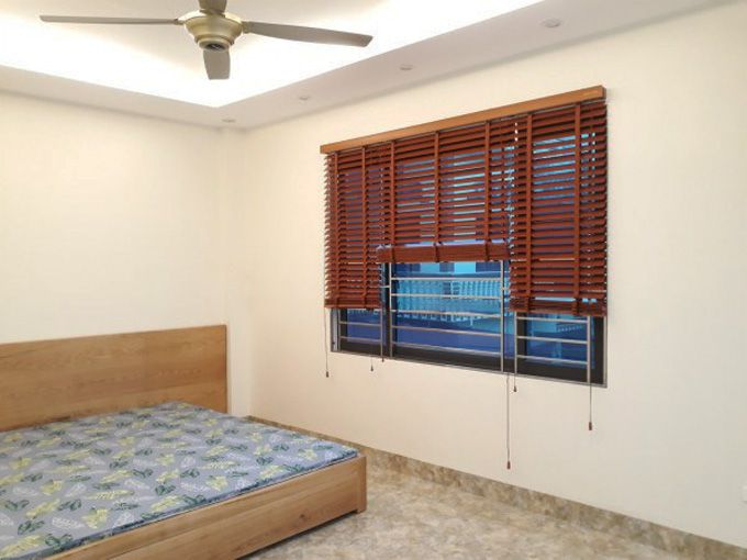 Giá rèm gỗ che cửa sổ